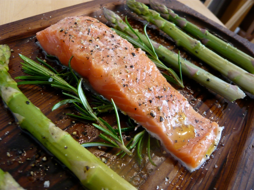 Grilled Asparagus Salmon in a Foil