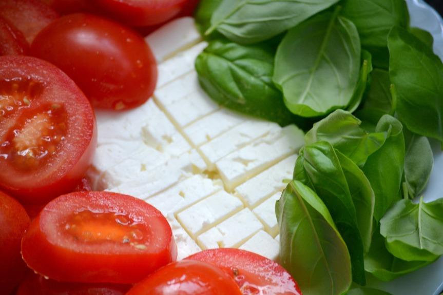 tomato-772237_1920-AromaEngel